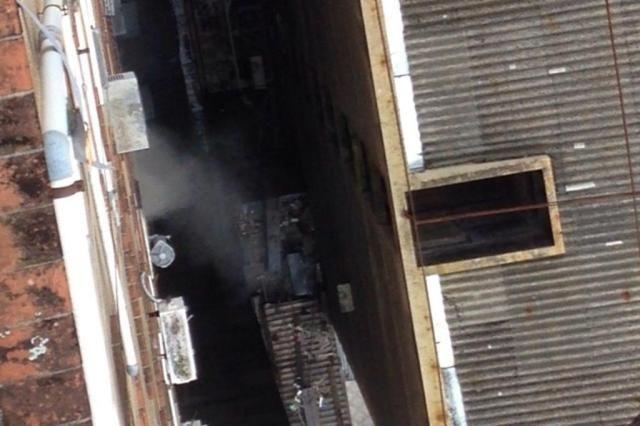 Ar condicionado pega fogo e causa pânico na Galeria do Rosário, no Centro da Capital